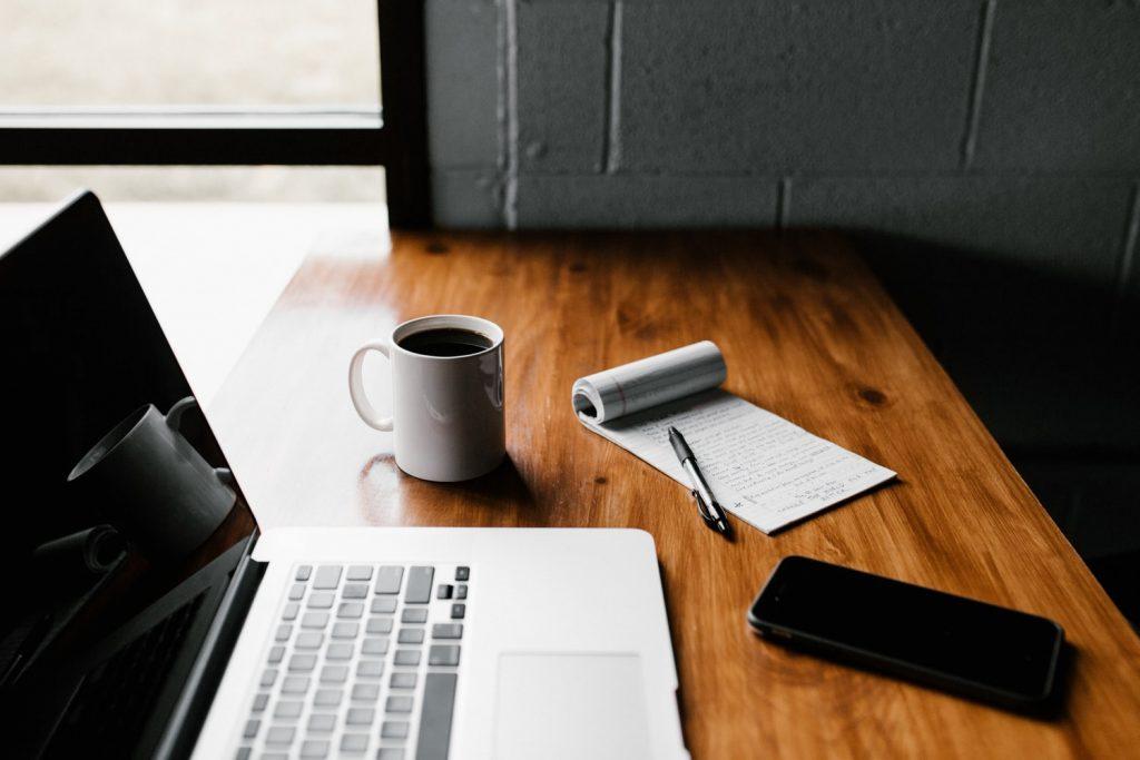 Cómo redactar un email de bienvenida que enganche - Easymailing